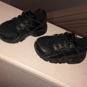 Nike Huarache (Black)